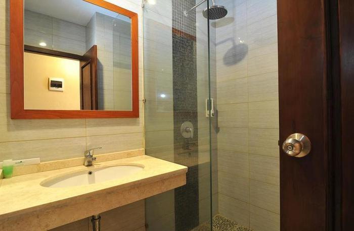 Amaya Suites Hotel Yogyakarta - Kamar mandi