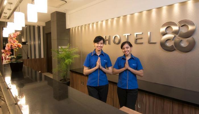 Hotel 88 Kopo Bandung - Receptionist