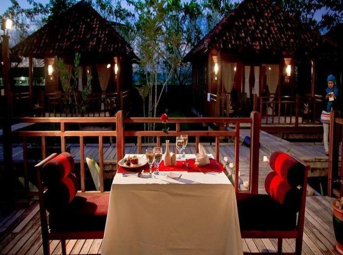 Gardenia Resort and Spa Pontianak - Makan malam romantis