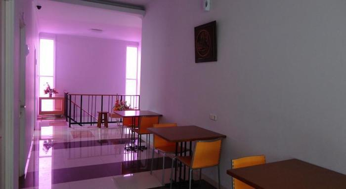 Violet Hotel Malang - Interior