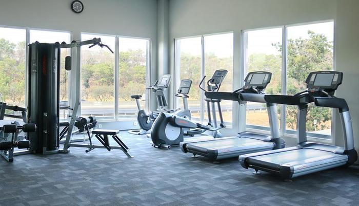 Delonix Hotel Karawang - Gym