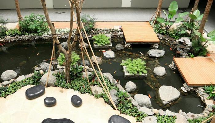 Delonix Hotel Karawang - Pond