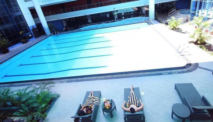 Pacific Palace Batam - Kolam Renang