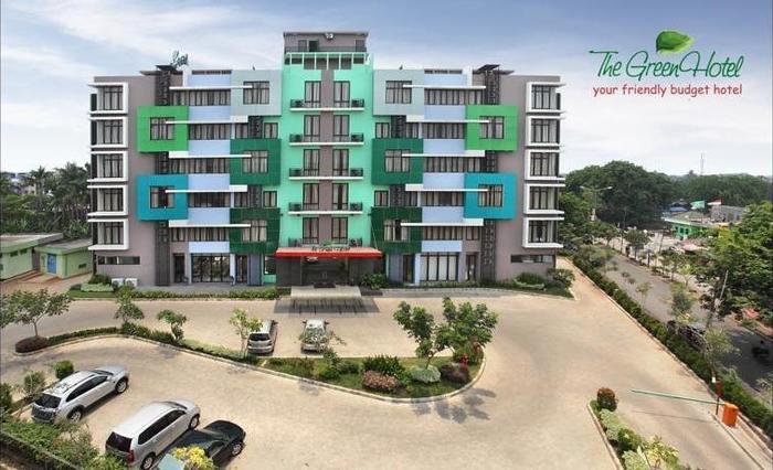 The Green Hotel Bekasi - Tampilan Luar Hotel