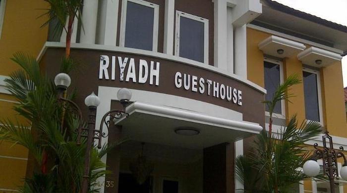 Hotel Penginapan Murah Riyadh Guesthouse Di Banjarbaru