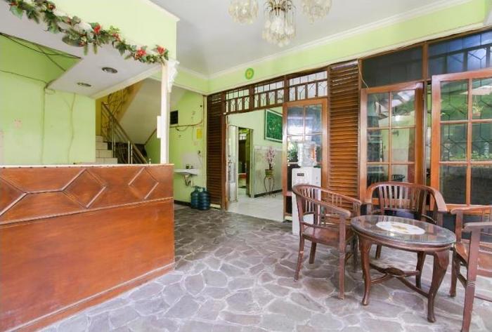 Riyadi Guest House Surabaya - Reception