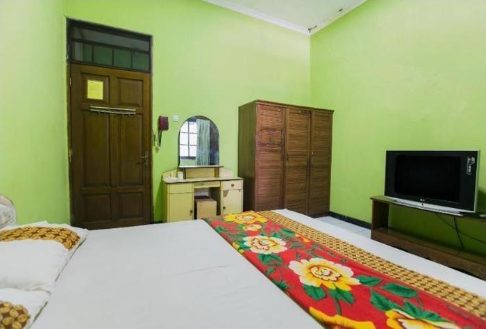 Riyadi Guest House Surabaya - Lily Room