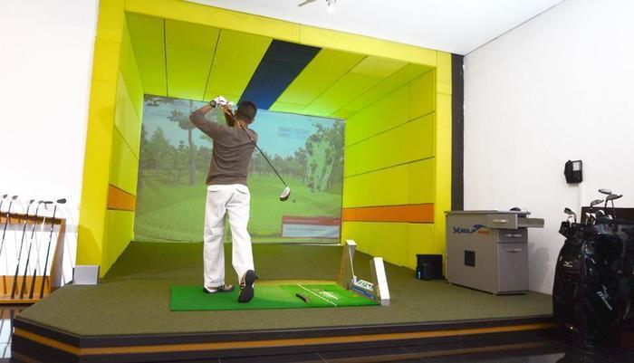 Aston Cirebon - Virtual Golf