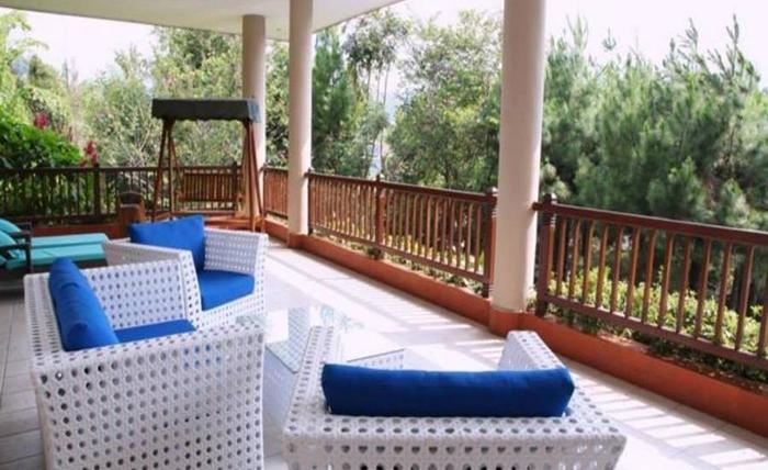 Elliottii Residence Cisarua Bogor - Balkon