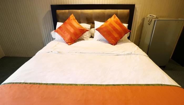 Magnolia Hotel Jakarta - deluxe room1