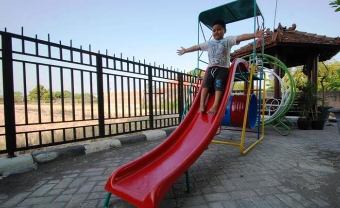 D'Madinah Residence Syariah Hotel Solo Solo - Taman Bermain Anak