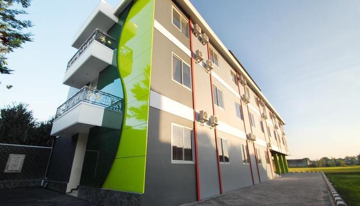 D'Madinah Residence Syariah Hotel Solo Solo - Tampilan Luar Hotel