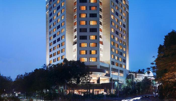 Hotel Aryaduta Bandung - Hotel Building