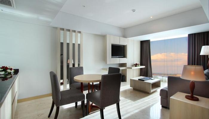 H Sovereign Bali - Ruang Tamu Executive Suite