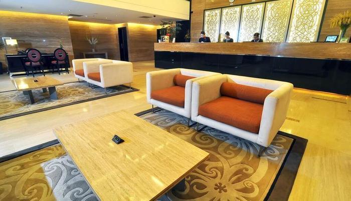 Grand Jatra Balikpapan - Lobby
