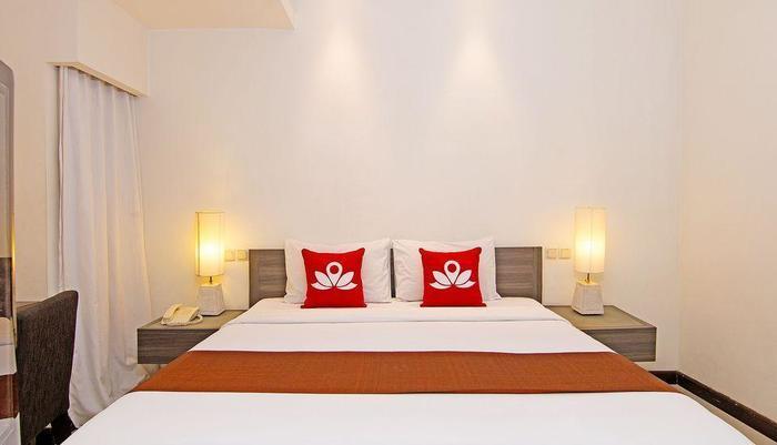 ZEN Premium Padma 2 legian Bali - Tampak tempat tidur double