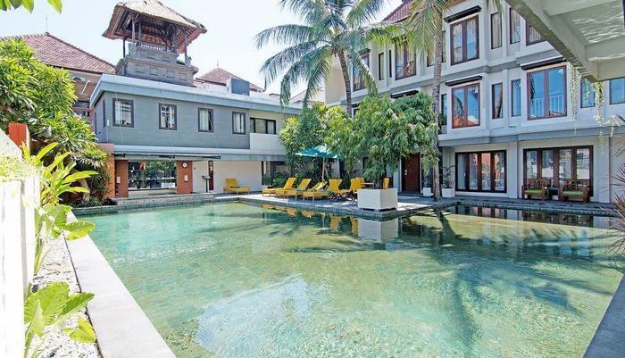 ZEN Premium Padma 2 legian Bali - Kolam Renang