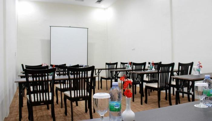 Amadeo Hotel Duri Bengkalis - Meeting Room