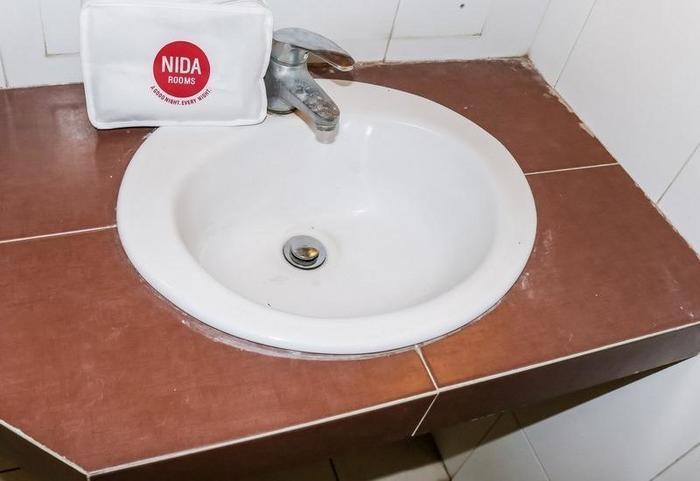 NIDA Rooms Pasar Buah Medan Tuntungan - Kamar mandi