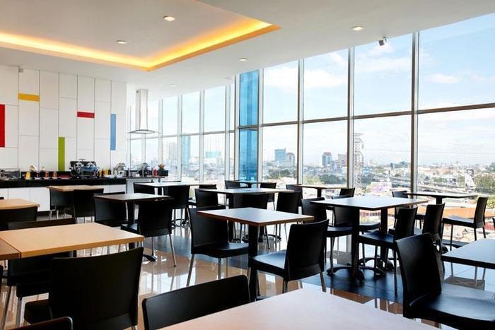 Amaris Season City Jakarta - Restaurant