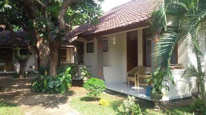 Lovina Beach Hotel Bali - Exterior