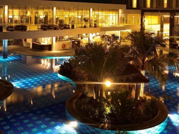 Mercure Banjarmasin - Hotel Front