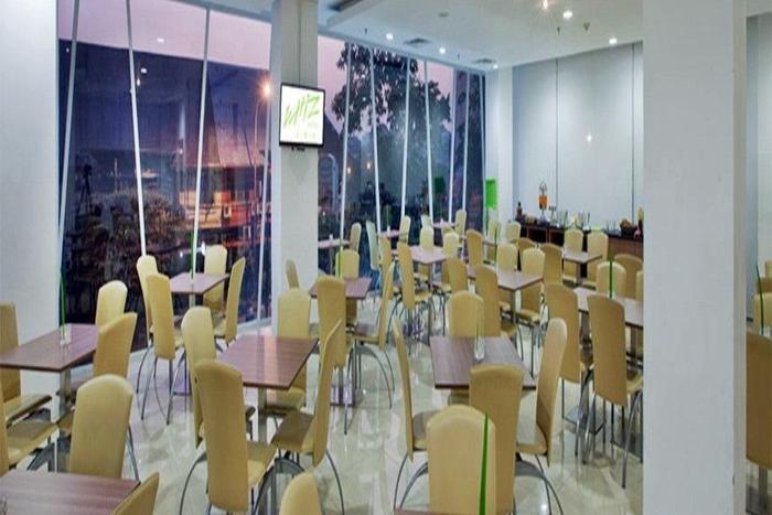 Whiz Hotel Cikini Jakarta - Ruang makan