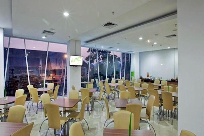 Whiz Hotel Cikini - Ruang makan