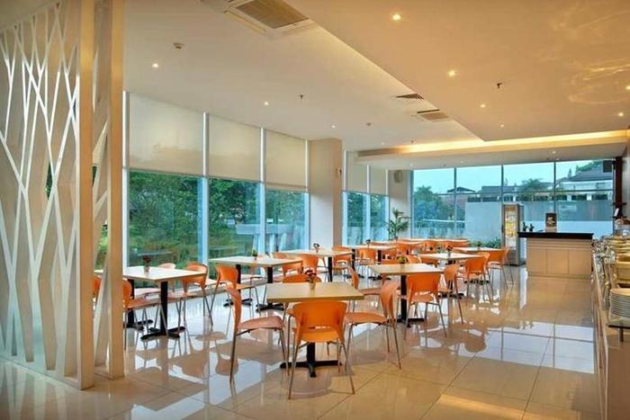 V Hotel & Residence Bandung - Restoran