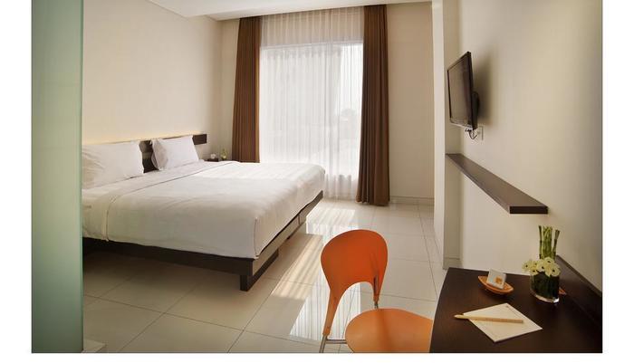 V Hotel & Residence Bandung - deluxe room