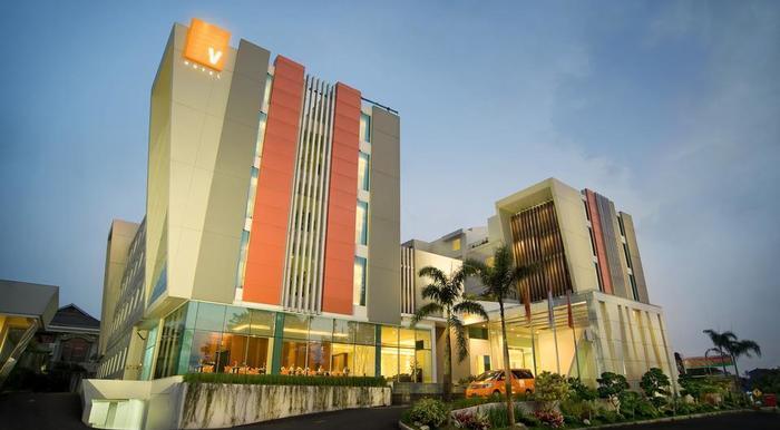 V Hotel & Residence Bandung - Building