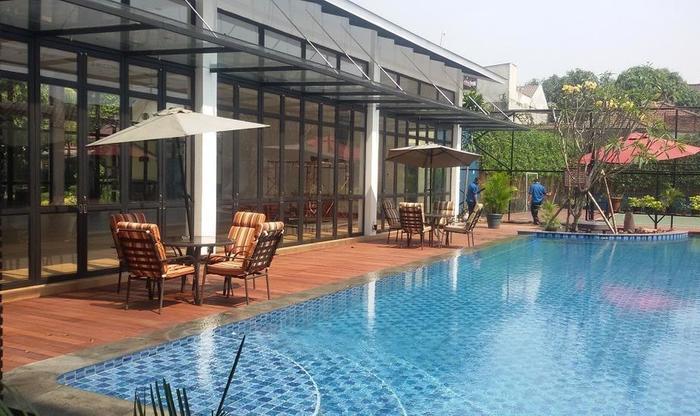 Patra Comfort Jakarta - Kolam Renang