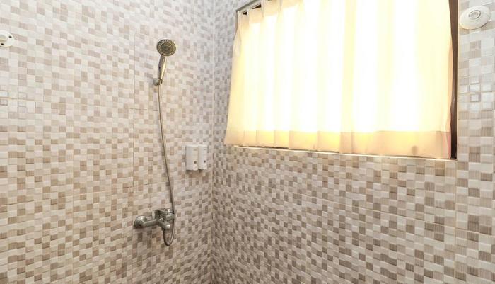 RedDoorz near Cibubur Junction Cibubur - Bathroom