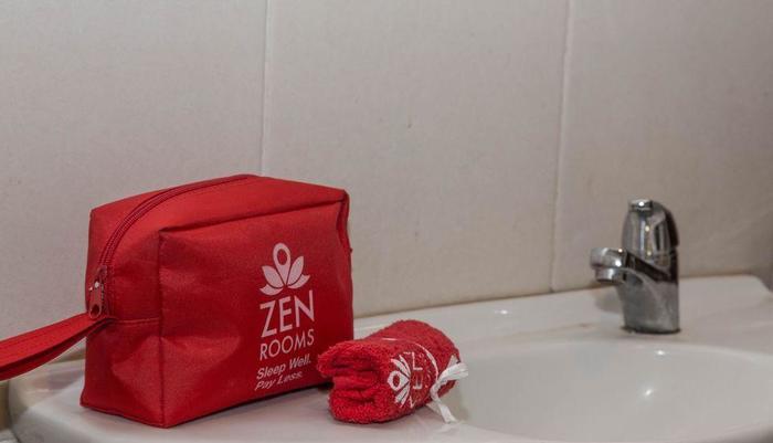 ZEN Premium Pecatu Padang Padang Beach Bali - Kamar mandi