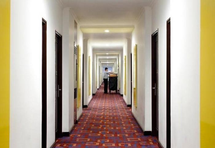 Amaris Mangga Dua - Corridor