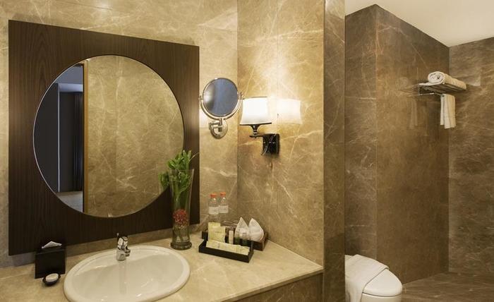 Hotel Chanti Semarang - Junior Suite Bath Room