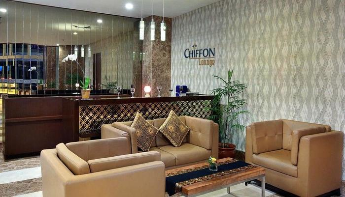 Aston  Solo - Chiffon Lounge