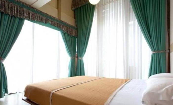 Villa Alila Istana Bunga Lembang Bandung - Kamar tamu