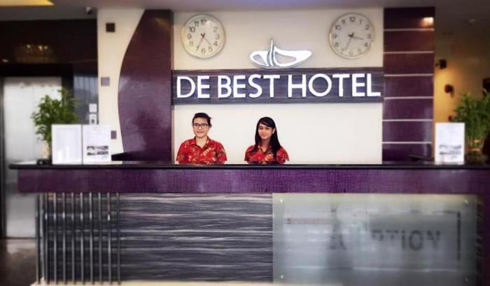 De Best Hotel Batam - Resepsionis
