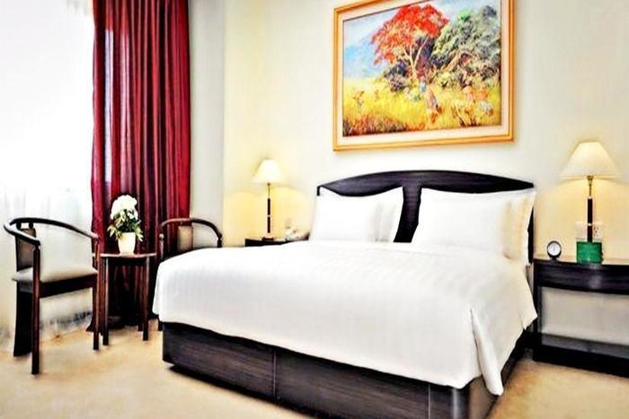 Sintesa Peninsula Hotel di Palembang yang ada kolam renang