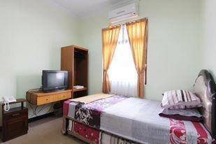 Ndalem Mantrijeron Hotel Yogyakarta - Tugu Room