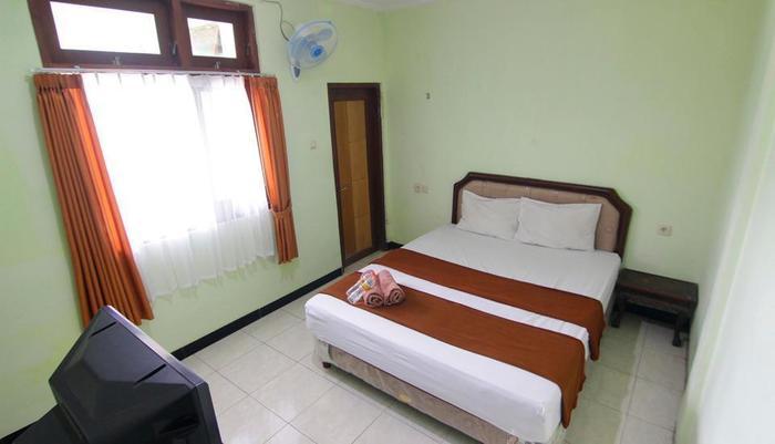 Ndalem Mantrijeron Hotel Yogyakarta - Minimalis Room 2