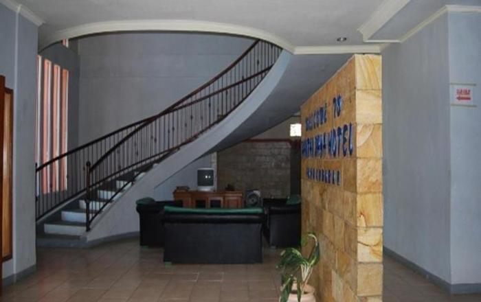 Hotel Pantai Jaya Pangandaran - lobi