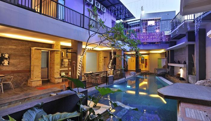 D Season Hotel Surabaya - Kolam Renang