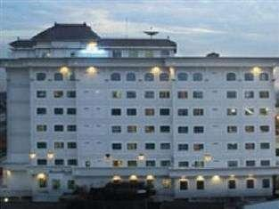 Maharani Hotel Jakarta - Tampak Luar