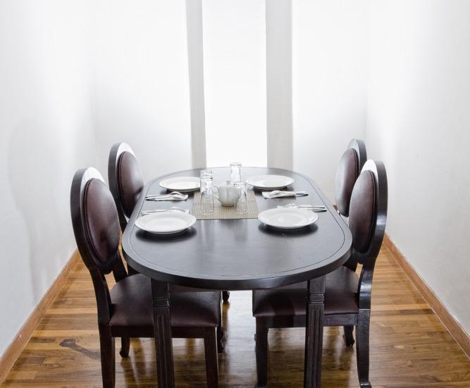 P Hotel Jakarta - Ruang makan untuk Eksekutif