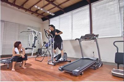 Kenari Tower Hotel Makassar - Gym