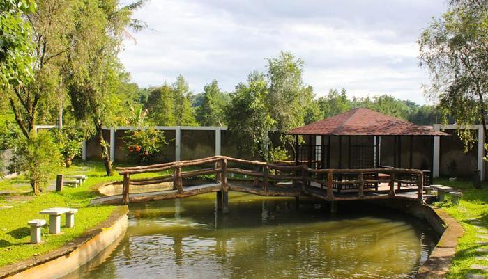 Resort Prima Cipayung - Gazebo pemancingan