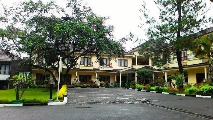 Resort Prima Cipayung - Parkir Area