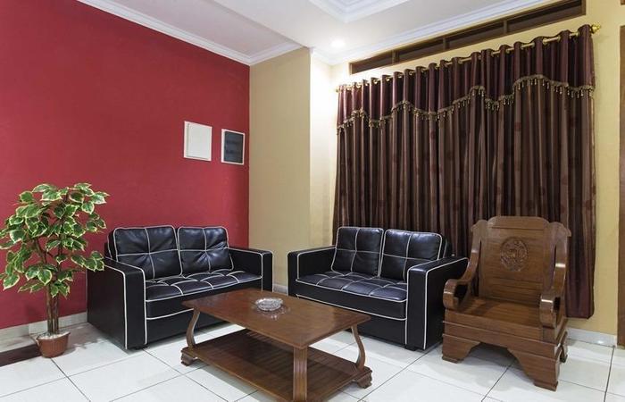 RedDoorz @Cilandak KKO Jakarta - Ruang tamu